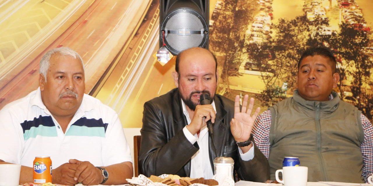 Denuncian abusos en cobros a tianguistas en La Reforma