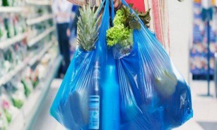 Ciudadanos no logran adaptarse a no usar bolsa de plástico