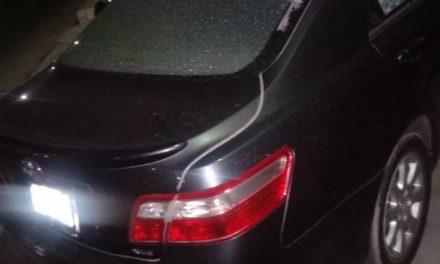 Vándalos apedrean carros en la carretera Sahagún-Pachuca