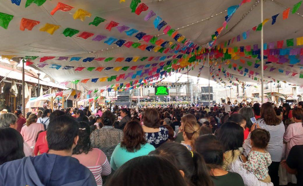 Celebran a más de 2 mil mamás en Villa de Tezontepec