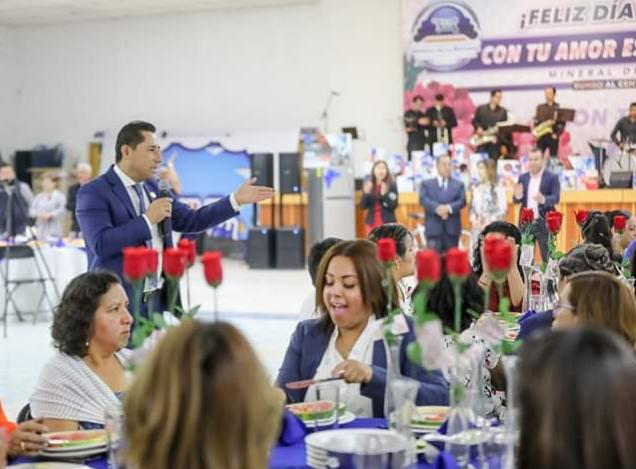 Reconocen a madres trabajadoras en Mineral de la Reforma
