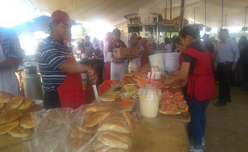 Torteros celebran al Señor de la Humildad en Villa de Tezontepec