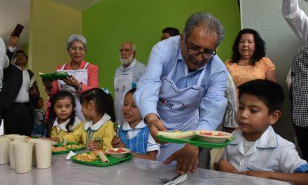 Benefician a escuelas de Tecozautla con techumbre y comedor