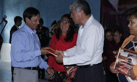 Reconocen a maestros con más de 30 años de servicio en Tizayuca