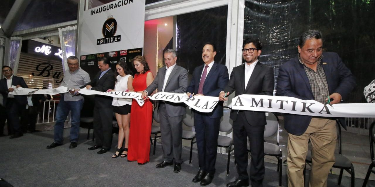 Inaugura Omar Fayad Plaza Mitika