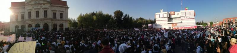 Miles de estudiantes se sumaron a la petición de descongelar cuentas de la UAEH
