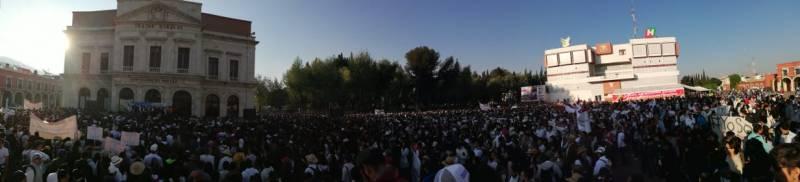 Estudiantes de la UAEH aseguran que no fueron «acarreados» a la marcha