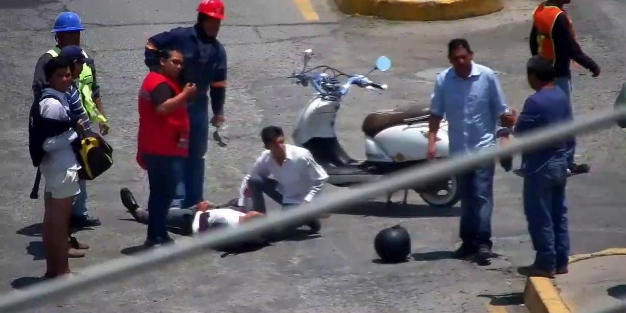 Se registra accidente entre motocicleta y camioneta