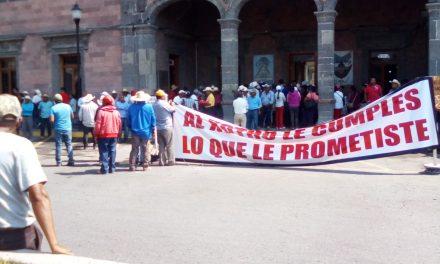 Habitantes del Xotho toman alcaldía de Ixmiquilpan