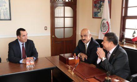 Julio Menchaca Salazar se reúne con el nuevo Administrador de Aduanas del SAT