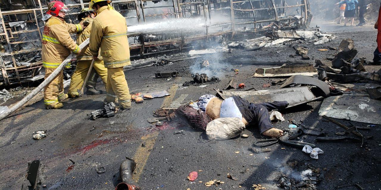 Accidente en las Cumbres, Veracruz, deja al menos 15 muertos