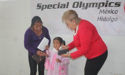 Deportistas de olimpiadas especiales, beneficiados con el programa Atleta Saludable
