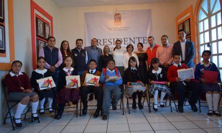 Eligen en Santiago Tulantepec a menor que fungirá como alcalde por un día