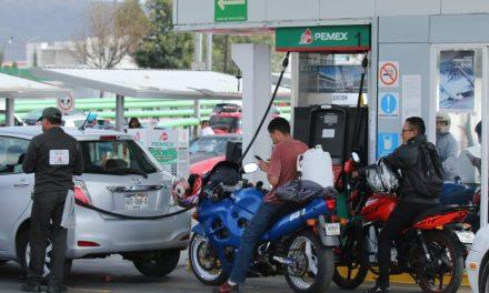 Exhortan a Profeco a regularizar venta de gasolina