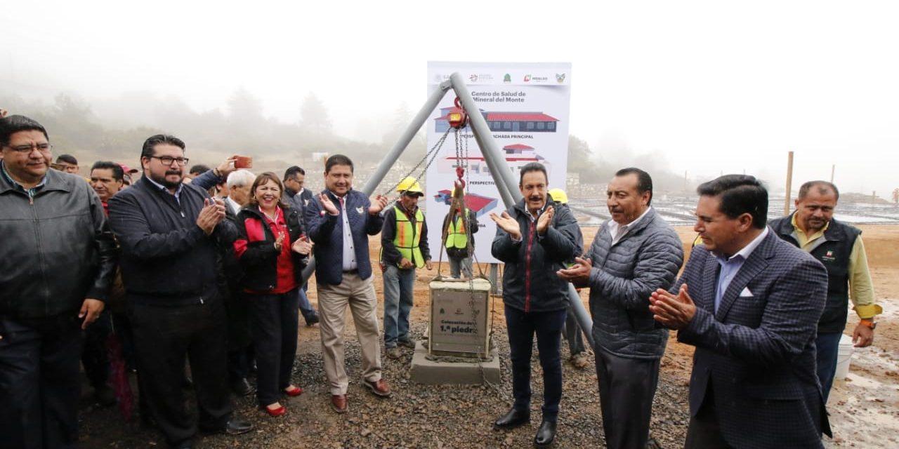 Omar Fayad colocó la primera piedra del Centro de Salud de Mineral del Monte
