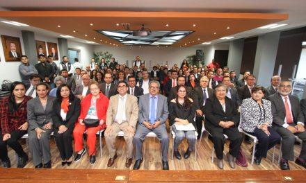 Emite Omar Fayad el primer título profesional electrónico en Hidalgo