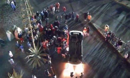 Accidente en bulevar Nuevo Hidalgo involucró a dos coches, sólo uno volcó