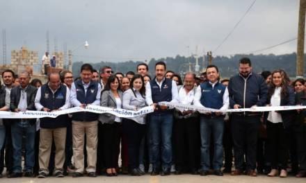 Omar Fayad entrega obras y anuncia infraestructura, en Cuautepec