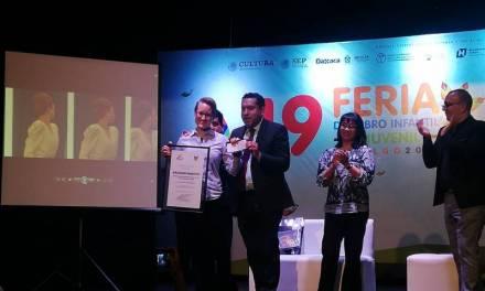 "Entregan Premio Nacional Crónica Joven ""Ricardo Garibay"""
