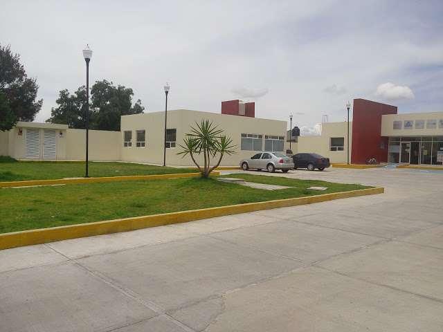 Niegan atención en Centro de Salud de Villa de Tezontepec