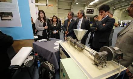 Alumnos del ITP desarrollan extrusora de polímeros