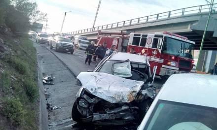 Accidente en Colosio deja una persona prensada