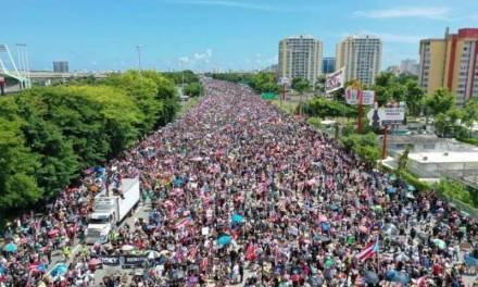 Protestas en Puerto Rico no paran; piden renuncia de gobernador Rosselló