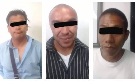Aseguran a tres sujetos que transportaban droga en Tizayuca