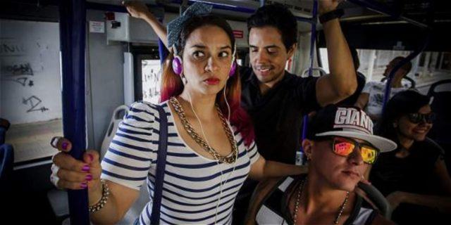 60 por ciento de los casos de acoso sexual se presentan en el transporte público