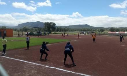 Las Ponny imponen y pegan primero en la Serie de la Liga de Softbol Femenil