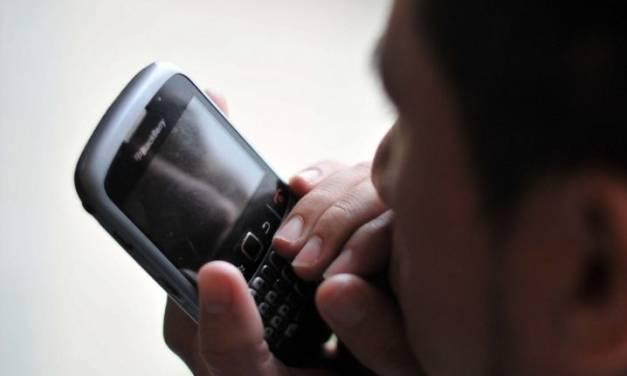 Aprueban hasta 6 años de prisión para bromistas telefónicos