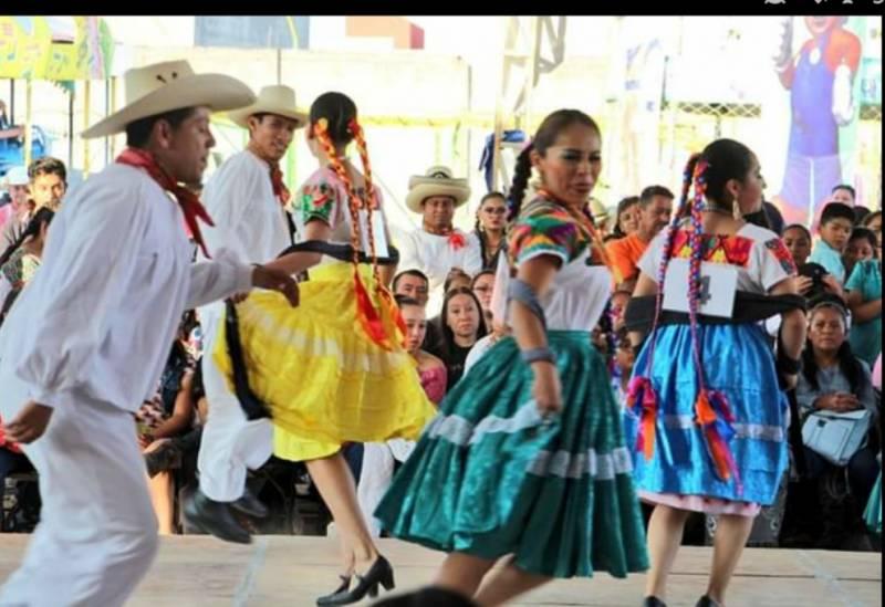 Piden fomentar la práctica de bailes regionales en las escuelas