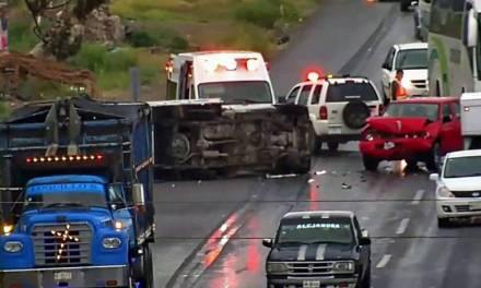 Accidente en Ixmiquilpan deja dos lesionados