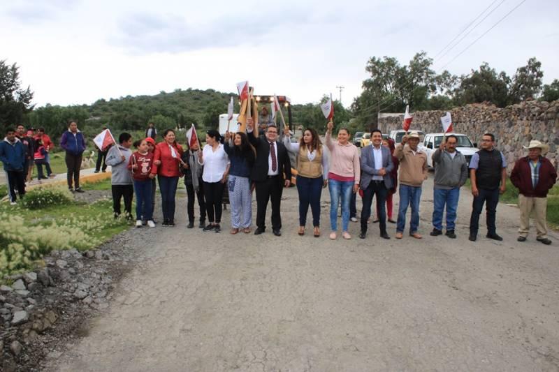 Inician nuevas obras carreteras en Villa de Tezontepec