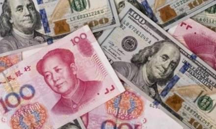 China devalúa su moneda tras anuncios arancelarios de Trump