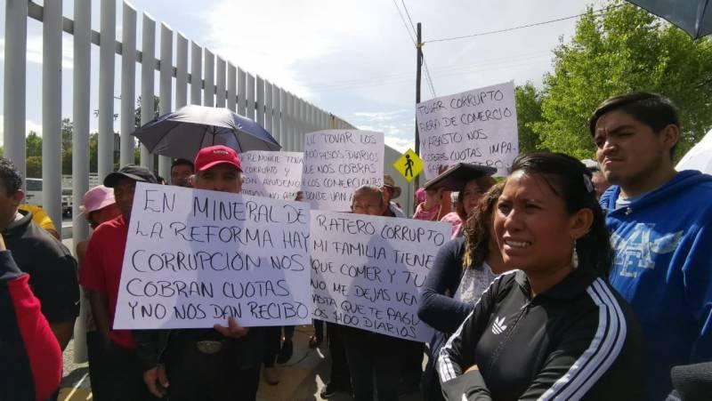 Vuelven a denunciar cobro de piso para tianguistas en La Reforma