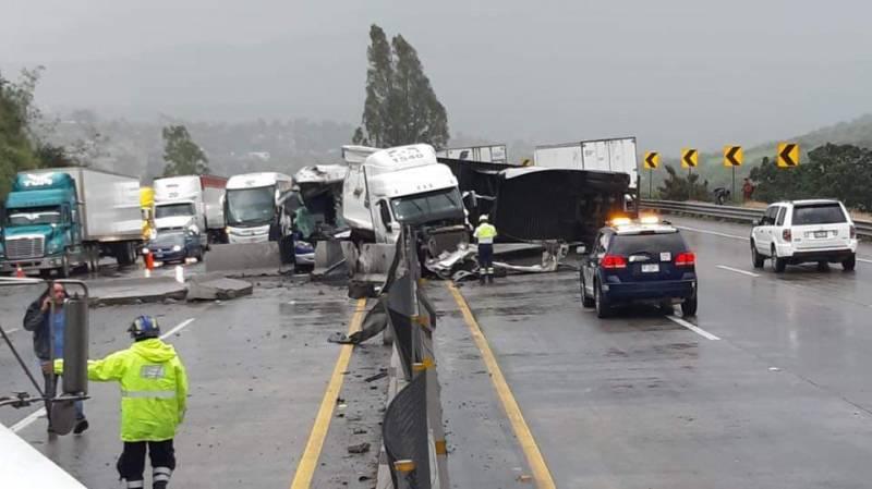 Se presumen varios lesionados en accidente múltiple