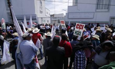 Campesinos exigen la liberación de recursos para el campo