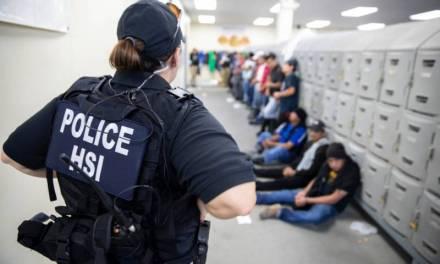 Van 107 mexicanos detenidos en redadas de Misisipi