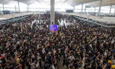 Aeropuerto internacional de Hong Kong canceló todos sus vuelos