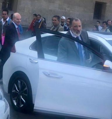 Meade y González Anaya fueron captados saliendo de Palacio Nacional