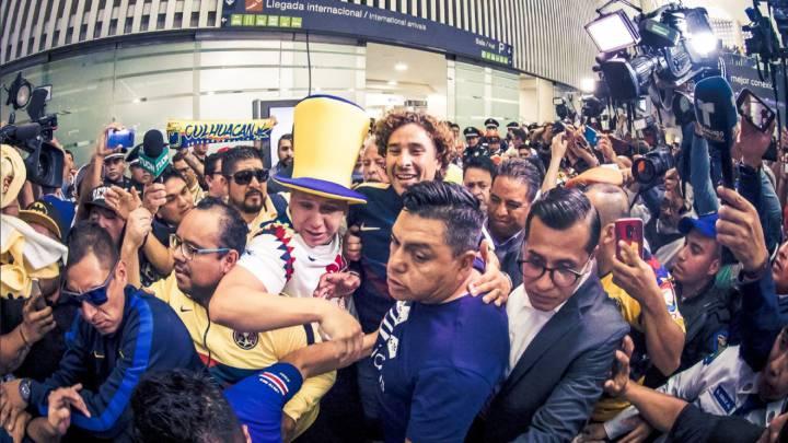 El refuerzo americanista, Guillermo Ochoa, ya está en territorio mexicano