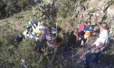 Accidente de camioneta en Zimapán deja al menos 7 personas muertas