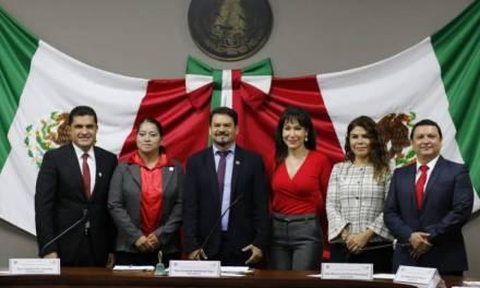 Presentó PRI 53 iniciativas en el primer año legislativo
