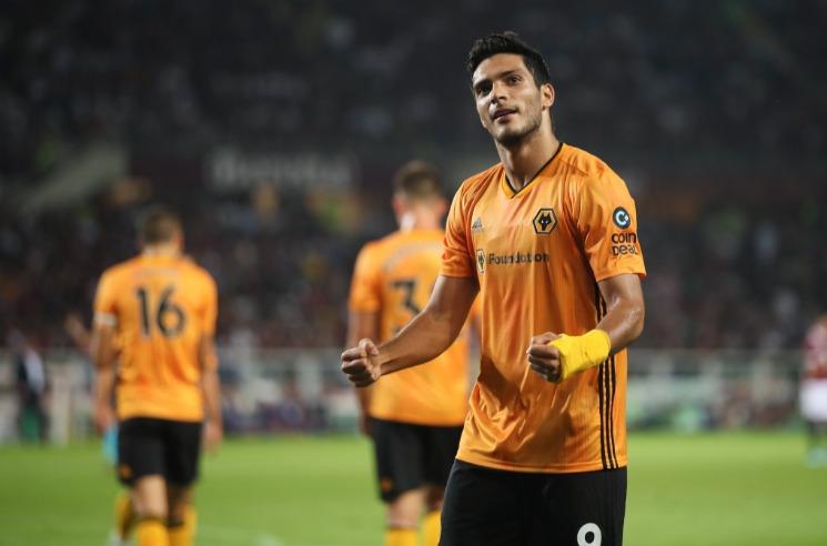 Raúl Jiménez pone a los 'Wolves' a un paso de Europa League