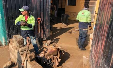 Tras lluvias, Obras públicas realiza limpieza en calles y casas de Pachuca