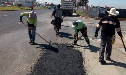 Bachea Obras Públicas estatal bulevar Santa Catarina