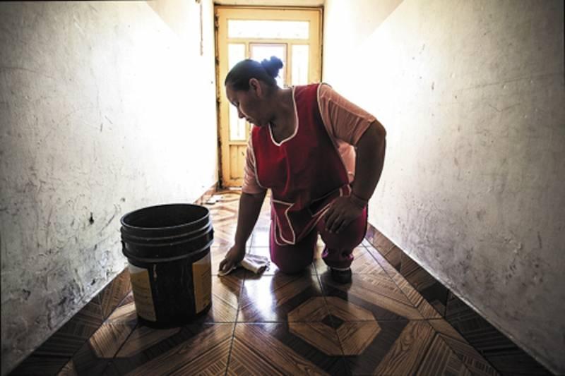 Persiste la costumbre de delegar labores domésticas a mujeres