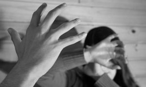 Por el delito de violencia familiar, vinculan a un hombre a proceso