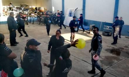 Policías de Santiago Tulantepec se capacitan en proximidad social